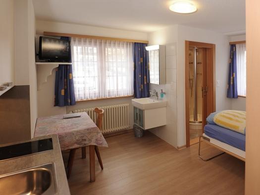 Camera Per Ospiti : Camera privata u chalet medi camera per ospiti